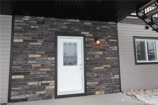 81 Willow Road, 2 bed, 2 bath, at $217,000