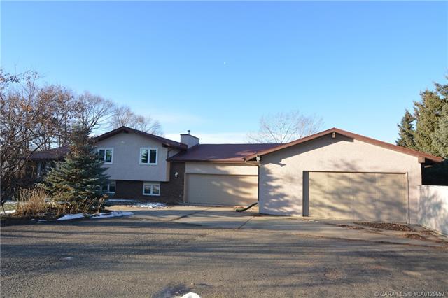 26534 Township Road 384, 5 bed, 4 bath, at $775,000