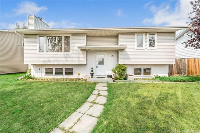 23 Dundee Crescent, 3 bed, 2 bath, at $289,900