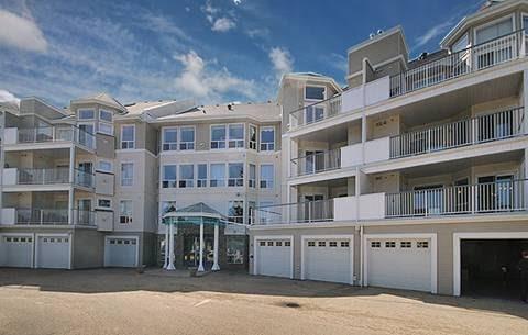 6118 53 Avenue, 3 bed, 3 bath, at $449,900